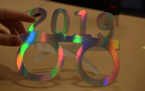 2019 new years glasses